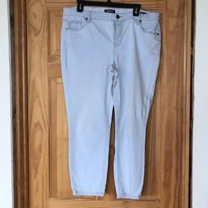 Buffalo light blue Capri jeans